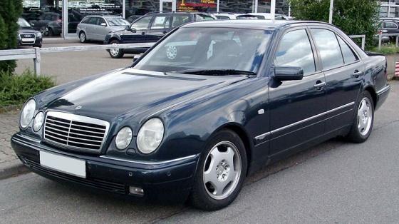 E-sarja W210 06.1995-09.1999